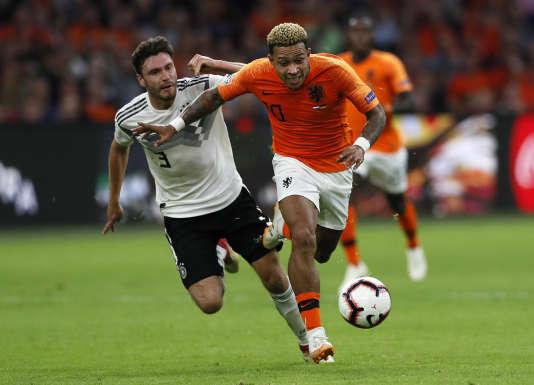 Le joueur néerlandais Memphis Depay a marqué le deuxième but de la rencontre face à l'Allemagne, à la 86e minute, le 13 octobre à Amsterdam.