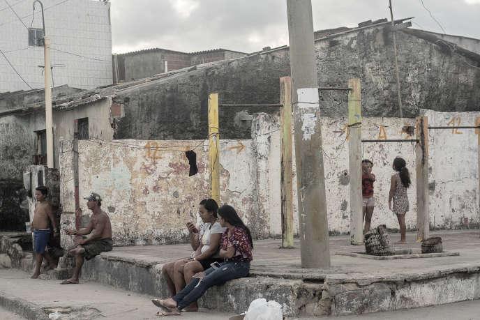Dans la favela de Brasilia Teimosa, au sud de Recife (Brésil), le 13 octobre.