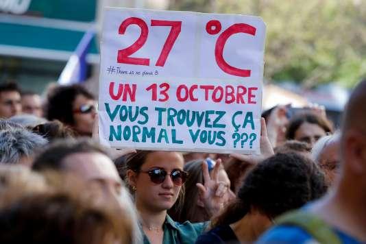 Manifestation contre le changement climatique, à Paris, le 13 octobre.