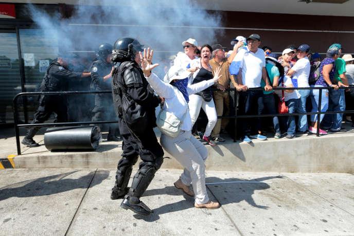 Lors d'une manifestation contre le président du Nicaragua, Daniel Ortega, à Managua, le 14 octobre.