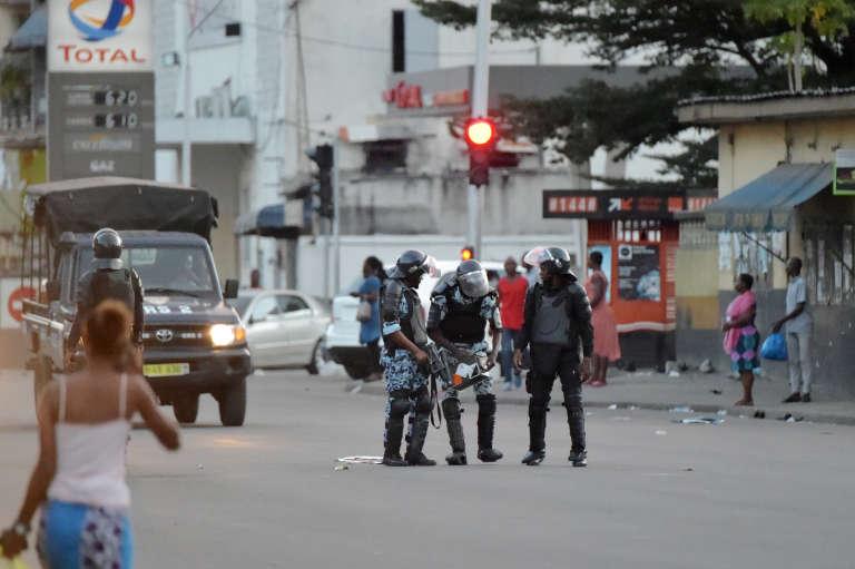 Policiers anti-émeute à Marcory, une commune d'Abidjan, le 14octobre 2018.