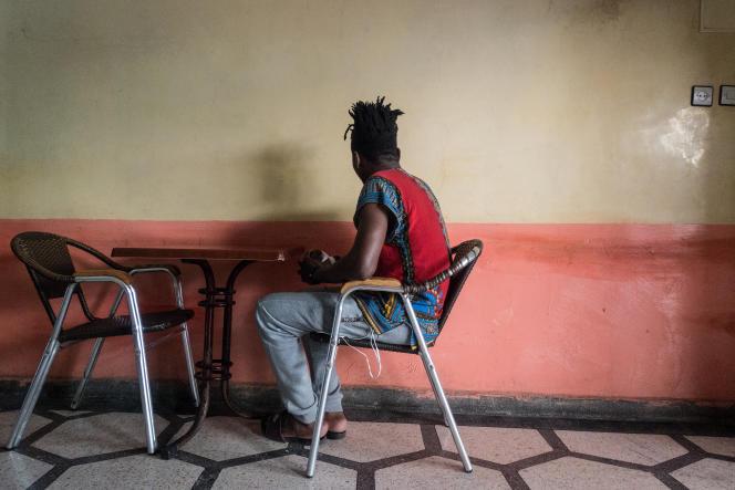 Roland, 26 ans, a quitté le Cameroun en 2011 en quête d'une vie meilleure. Il a été refoulé à Tiznit il y a un mois.