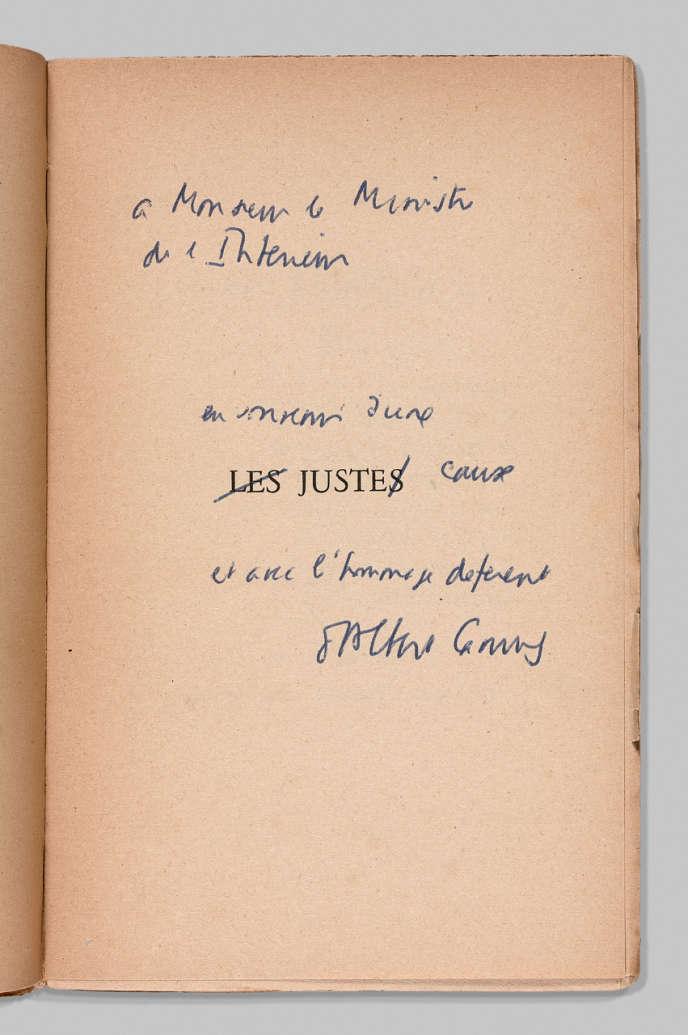 Albert Camus, «Les Justes», Paris Gallimard, 1950, avec envoi de l'auteur à François Mitterrand (estimé entre 5 000 et 8 000 euros).