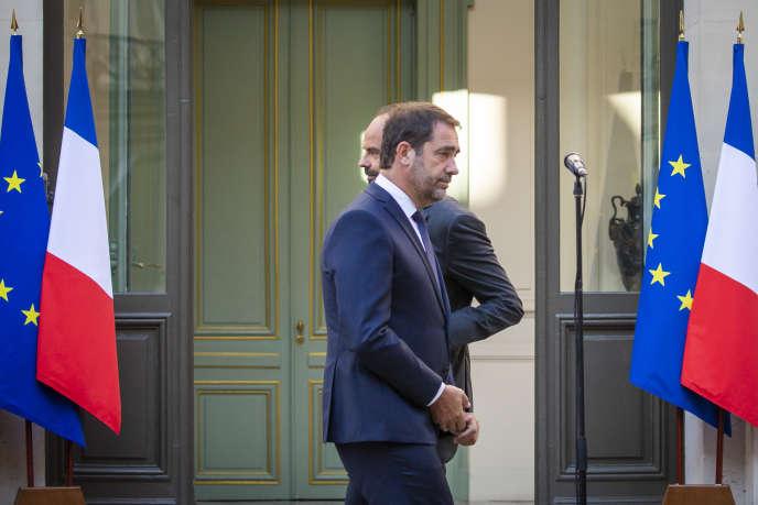 Passation des pouvoirs au ministère de l'intérieur entre Edouard Philippe etChristophe Castaner, à Paris, le 16octobre.