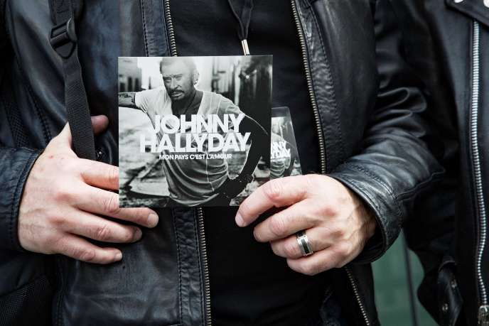 Présentation de l'album posthume du chanteur Johnny Hallyday, à Paris, le 15 octobre.