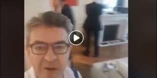 Capture écran de la vidéo de Jean-Luc Mélenchon filmant sa perquisition, mardi 16 octobre.
