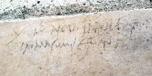 L'inscription au charbon découverte à Pompéi qui a permis de prouver que la ville a été détruitele 24 octobre 79.
