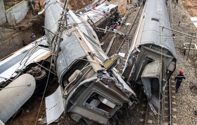 Le déraillement d'un train a fait 7morts et 125 blessés, au nord de Rabat, le 16octobre.