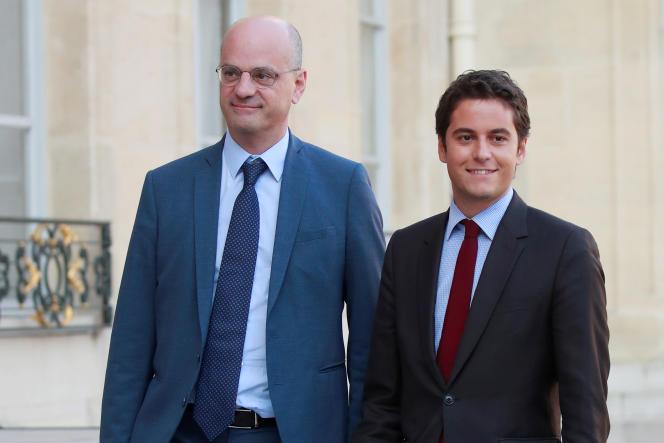 Le secrétaire d'Etat Gabriel Attal avec le ministre de l'éducation nationale, Jean-Michel Blanquer, le 17 octobre à l'Elysée.