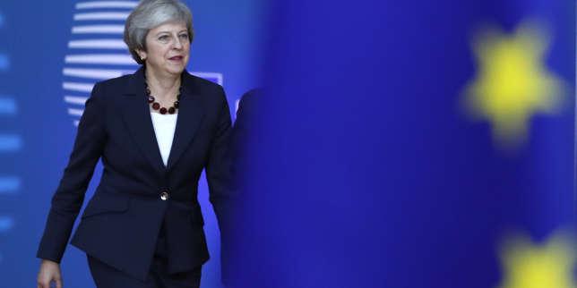 Theresa May a eu plusieurs rencontres bilatérales avant de se présenter devant les chefs d'Etat ou de gouvernement des 27 autres pays de l'UE.