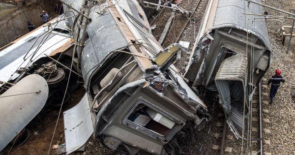 au-maroc-le-déraillement-d'un-train-fait-sept-morts-et-plus-de-80blessés