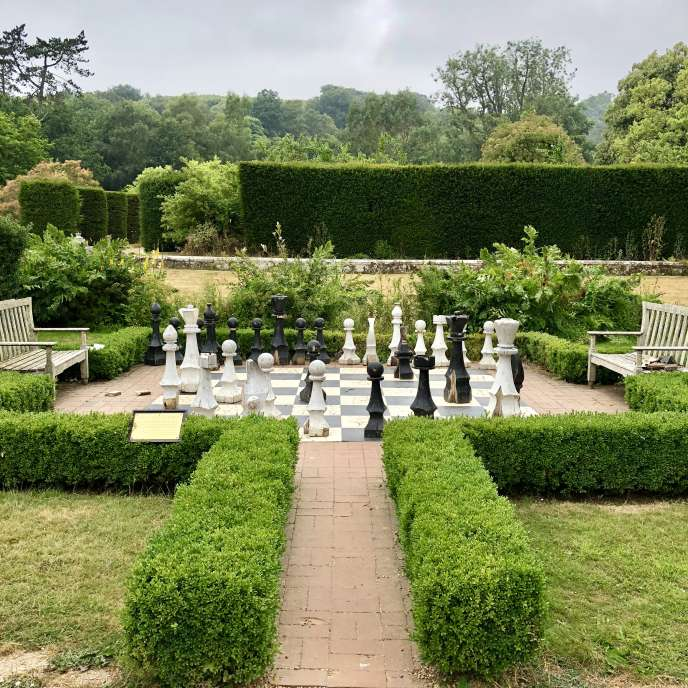 Le jeu d'échecs géant en cèdre du Liban de Groombridge Place.