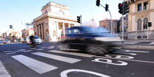 Le péage urbain a été mis en place à Milan, en Italie, il y a sept ans.
