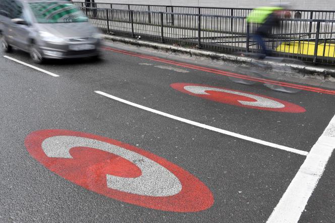 Londres a été parmi les pionniers du péage urbain, avec l'instauration d'une« congestion charging zone».