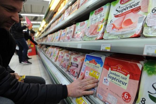 Dans un supermarché à Nîmes, en février 2016.