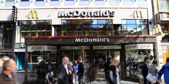 Recyclage: deux restaurants rapides de Paris attaqués en justice par une association écologiste