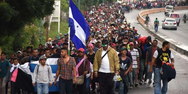 Des migrants venus du Honduras arrivent à Chiquimula, au Guatemala, le 17 octobre.