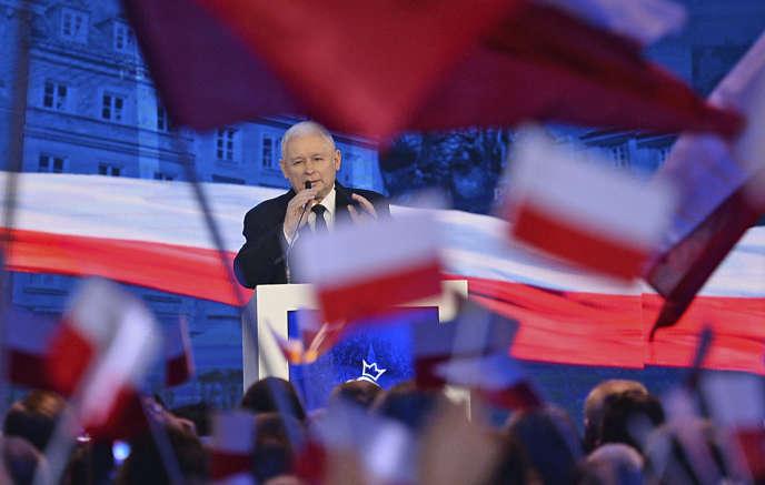 Le parti Droit et justice (PiS), à l'origine de cette réforme, est dirigé parJaroslaw Kaczynski.