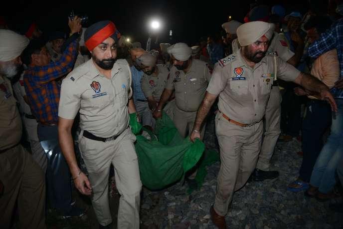La région du Pendjab a annoncé le versement de 500 000 roupies (environ 6 000 euros) de dédommagement pour chaque victime.