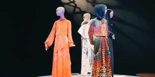 Installation de l'exposition «Contemporary Muslim Fashions» du De Young Museum, à San Francisco.