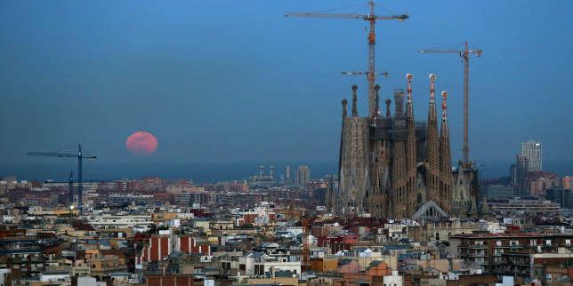lemonde.fr - A Barcelone, des initiatives ouvertes et collaboratives pour résister à l'ubérisation des villes