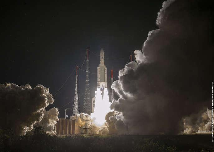 Décollage de la fusée Ariane5 emportant la sonde BepiColombo à destination de Mercure.