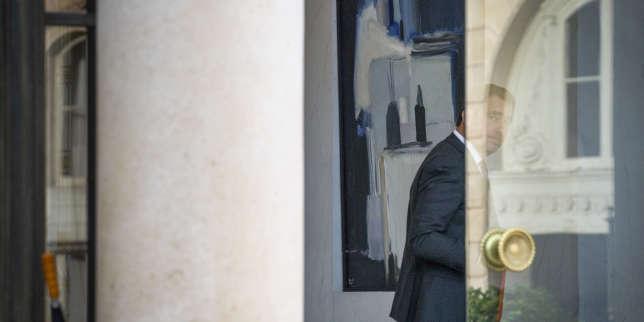 Christophe Castaner, ministre de l'intérieur, entre au conseil des ministres au palais de l'Elysée à Paris, le 17 octobre.