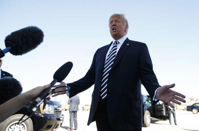 Le président Donald Trump s'adresse aux médias, après un meeting de campagne, à Elko, dans le Nevada, le 20 octobre.