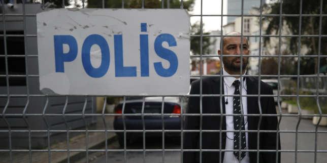 Un garde du consulat d'Arabie saoudite à Istanbul, le 20 octobre.