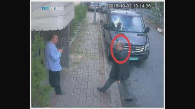 Une image de vidéosurveillance montre Jamal Khashoggi arrivant au consulat d'Arabie saoudite à Istanbul, le 2 octobre.