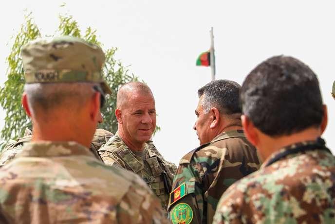 Le général américain Jeffrey Smiley, le 5 juillet. L'armée américaine a confirmé lundi 22 octobre que le militaire avait été blessé lors de l'attaque contre le palais du gouverneur de Kandahar, quatre jours plus tôt.