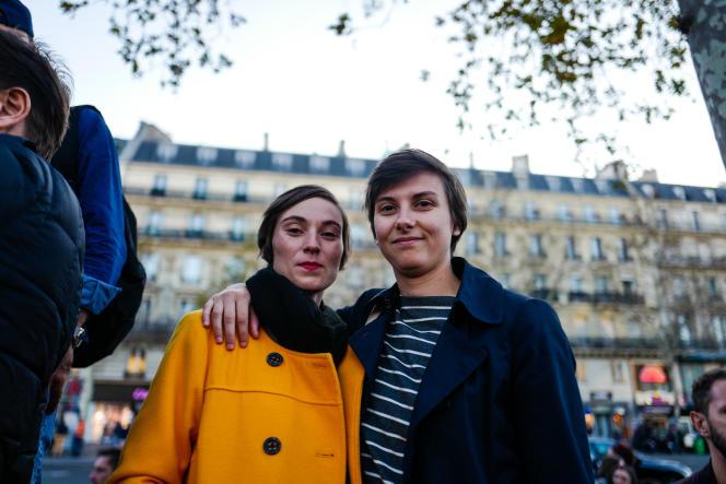 «On a le sentiment qu'il y a une recrudescence de ces actes, et c'est important dans ce contexte de semobiliser», déclarent Mathilde et Gwendoline, 28 et 30 ans.