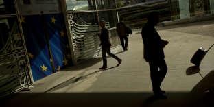 Devant les locaux de la Commission européenne à Bruxelles, le 22 octobre.