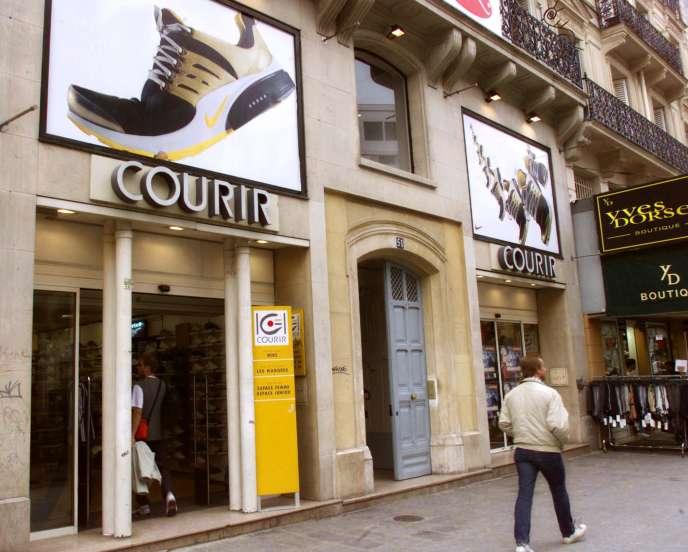 De Courir Vend Millions La 283 D'euros Casino Holding Pour DW29eEHYIb