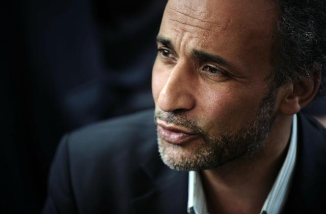 L'islamologue suisse Tariq Ramadan lors d'une conférence à Nantes, en avril 2010.