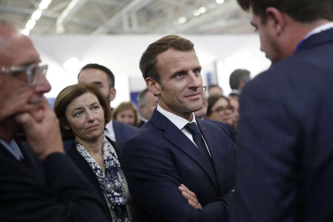 Emmanuel Macron et Florence Parly, au salon Euronaval au Bourget, le 23 octobre.