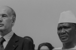 Le président français Valery Giscard d'Estaing et le président guinéen Ahmed Sekou Toure le 20 décembre 1978 en Guinée.