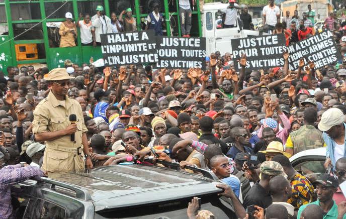 L'opposant guinéen Cellou Dalein Diallo lors d'une manifestation à Conakry, le 4octobre 2017.