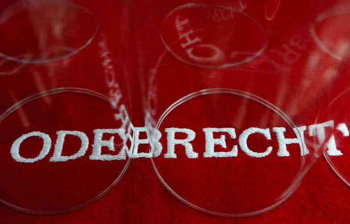Logo de la société brésilienne Odebrecht, soupçonnée d'avoir versépayé 32millions de dollars (28millions d'euros) en pots-de-vin et financé les campagnes présidentielles colombiennes de 2010 et 2014, gagnées par l'ex-président Juan Manuel Santos.