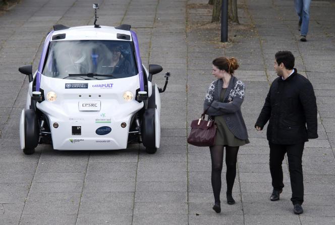 Expérimentation d'un véhicule autonome, à Londres, en 2016.