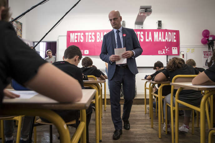 Le ministre de l'éducation, Jean-Michel Blanquer, dans une école de Paris, le 15 octobre 2018.