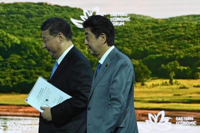 Xi Jinping et Shinzo Abe à Vladivostok, le 12 septembre.