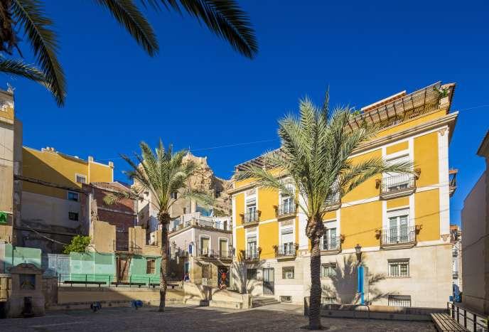 La plaza del Carmen, dans le pittoresque quartier de Santa Cruz, à Alicante.