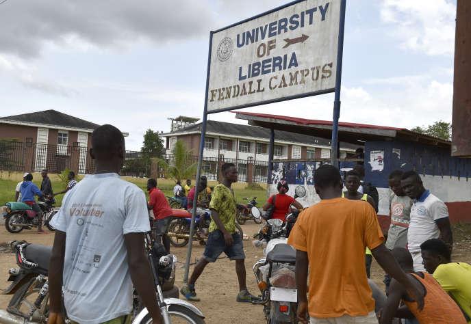 L'entrée du campus de Fendall de l'université du Liberia, près de Monrovia, en octobre 2017.