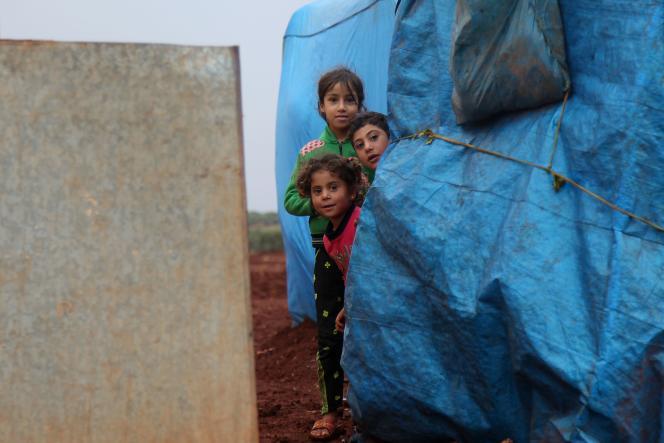 Dans un camp de déplacés, près d'Idlib, en Syrie, le 25 octobre.