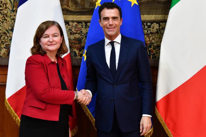 La ministre des affaires européennes, Nathalie Loiseau, avec son homologue italien, Sandro Gozi, à Rome, le 16 février.