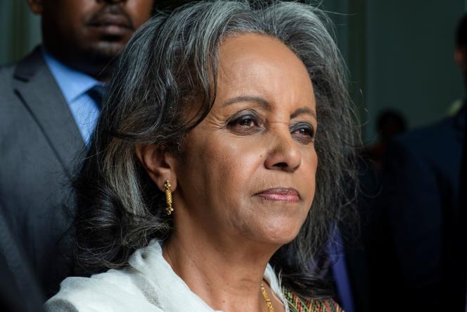 La présidente éthiopienne, Sahle-Work Zewde à sa sortie du Parlement, à Addis-Abeba, le 25 octobre.