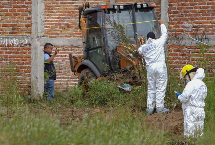 Une fosse commune a été decouverte en octobre dans l'état de Jalisco, au Mexique, contenant au moins 16 cadavres.