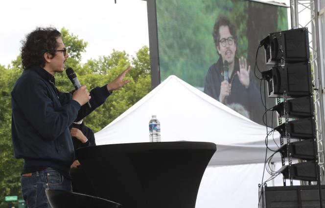 Thomas Porcher lors d'un meeting de Benoît Hamon en juillet 2017.