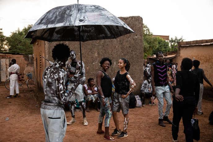 Dixième édition du festival Les Récréâtrales à Ouagadougou, dans le quartier populaire de Gounghin.